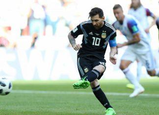 Messi dang gap ap luc va hong phat den