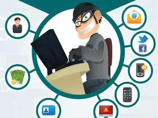 Gửi tin nhắn cho người chơi nhằm lấy cắp thông tin cá nhân