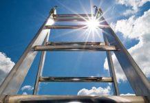 Mơ thấy cái thang đánh con gì nhanh đổi đời nhất?