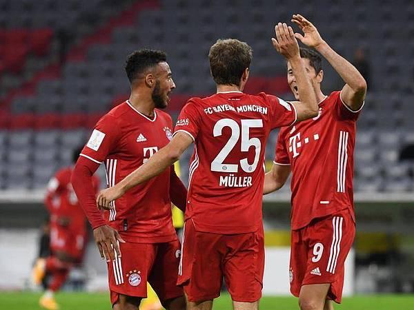 Bóng đá quốc tế 1/10: Thomas Muller đi vào lịch sử bóng đá Đức