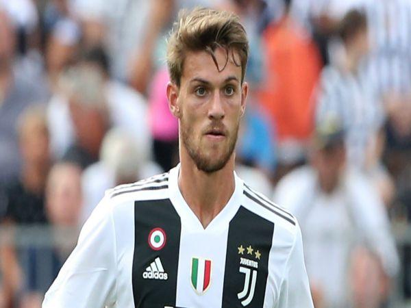Chuyển nhượng trưa 2/10: Juventus chuẩn bị chia tay hậu vệ