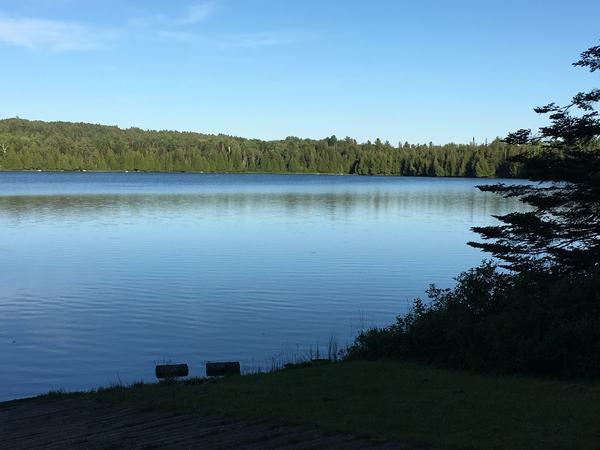 Nằm mơ thấy hồ nước đánh con gì dễ trúng có ý nghĩa gì